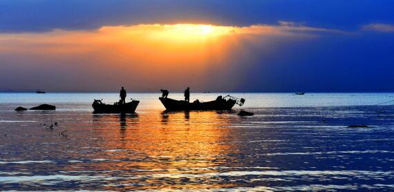 渔船.jpg